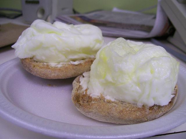 Cream kettle toaster pack
